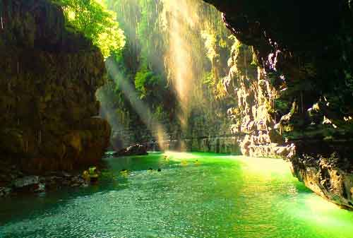 Tempat Wisata Jawa Barat 03 Green Canyon - Finansialku