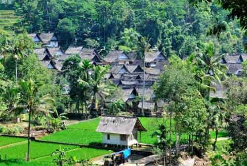 Tempat Wisata Jawa Barat 10 Kampung Naga - Finansialku