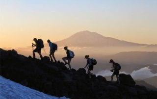 Tips Hemat Hobi Mendaki Gunung 01 - Finansialku