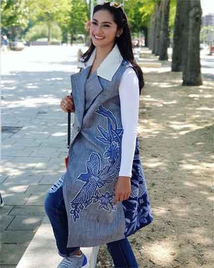 Tips untuk Para Wanita dalam Memilih Model Baju Batik 02 Model Batik 1 - Finansialku