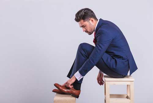 Bikin Ga Keren! Ini Dia Kesalahan Berpakaian Pria yang Harus Kamu Ketahui! 06 Kesalahan Berpakaian Pria 6 - Finansialku