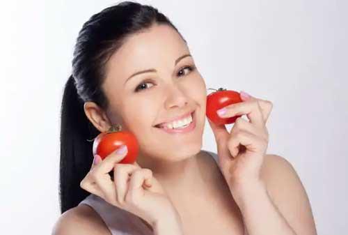 Cara Menghilangkan Bekas Jerawat Paling Mudah dan Alami 10 Tomat - Finansialku