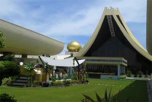 Destinasi Wisata Brunei Darussalam 06 Istana Nurul Iman - Finansialku
