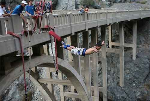 Harga Bungee Jumping 10 New Mexico USA - Finansialku