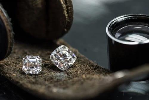 Keuntungan Investasi Berlian 01 - Finansialku