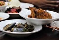 Kisah Di Balik Suksesnya Restoran Sederhana Masakan Padang 01 - Finansialku