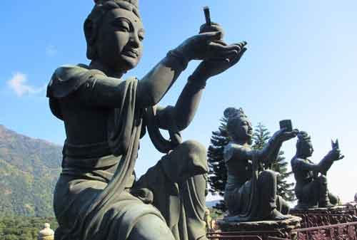 Patung Buddha Terbesar Di Hong Kong 08 - Finansialku