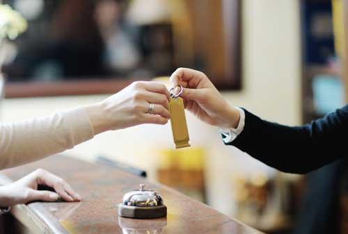 Supaya Gak Salah, Pelajari Dulu Perbedaan Hotel dan Hostel Sebelum Booking! 05 Hotel Vs Hostel 5 - Finansialku