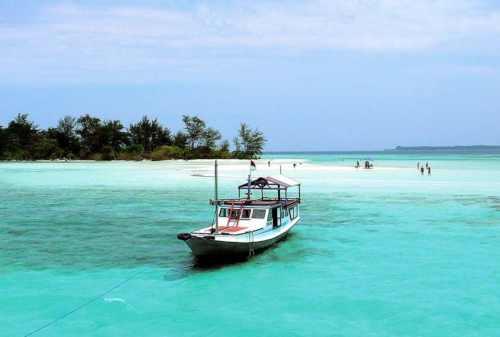 Tempat Wisata Jawa Tengah 02 Karimunjawa - Finansialku