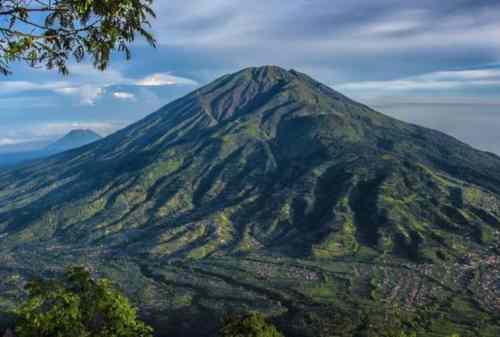 Tempat Wisata Jawa Tengah 03 Gunung Merbabu - Finansialku