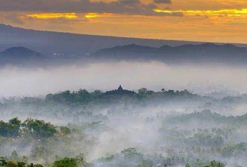 Tempat Wisata Jawa Tengah 08 Punthuk Setumbu - Finansialku