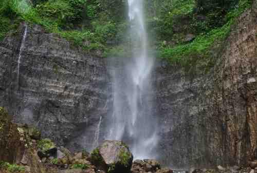 Tempat Wisata Jawa Tengah 16 Air Terjun Kali Pancur - Finansialku