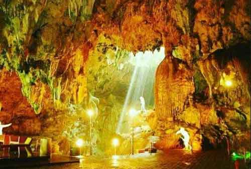 Tempat Wisata Jawa Timur 03 Gua Gong - Finansialku