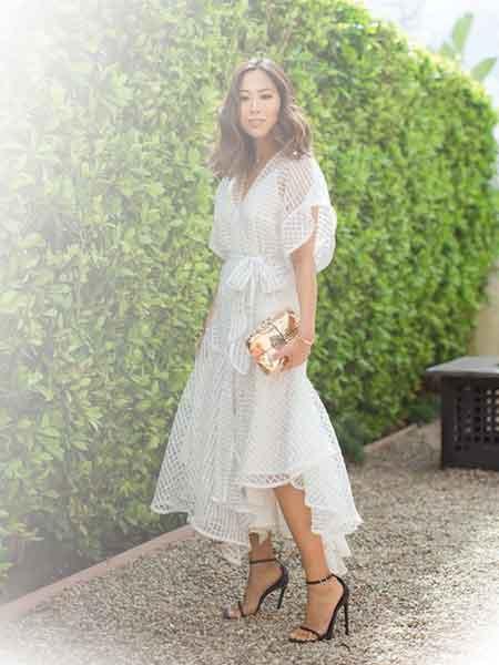 Tips Memilih Model Baju Pesta Yang Menawan 07 Gaun Putih Polos - Finansialku