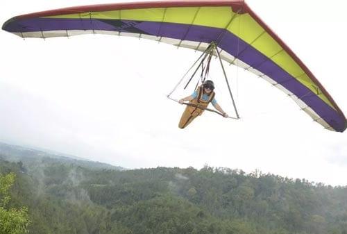 Wisata Coban Rais 06 (Paragliding) - Finansialku
