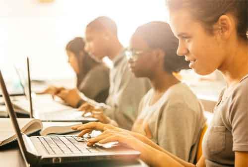 Gak Perlu Kuatir Gaes, Ini Cara Menabung Beli Laptop Untuk Kuliahmu 03 Laptop untuk Kuliah 3 - Finansialku