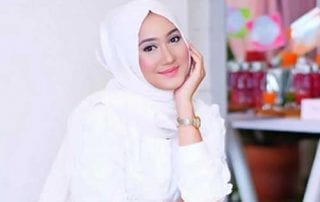 Gak Perlu Pusing! Ini Dia Tren Model Hijab Lebaran Tahun 2019 01 - Finansialku