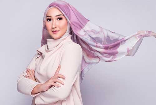 Gak Perlu Pusing! Ini Dia Tren Model Hijab Lebaran Tahun 2019 02 - Finansialku
