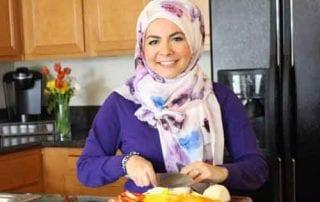 KETUPAT Moms, Yuk Ketahui Cara Mengakali Pengeluaran Bulan Ramadan Agar Lebaran Tenang dan Damai 01 - Finansialku