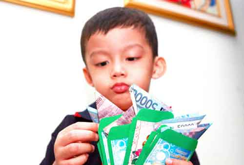 KETUPAT Mudik Yuk Lakukan Persiapan Mudik Berikut Sebelum Kamu Pergi Mudik 02 Angpao - Finansialku