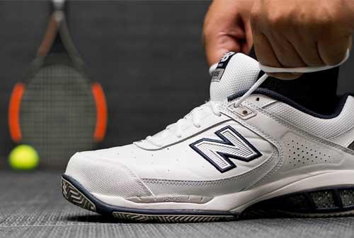 Sepatu Olahraga 04 - Finansialku