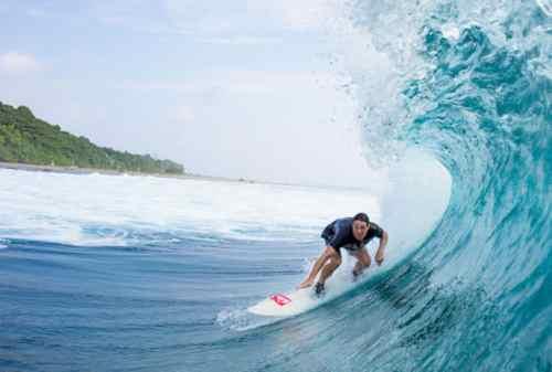 Suka Surfing Kunjungi 5 Tempat Terbaik Berselancar 02 Mentawai - Finansialku