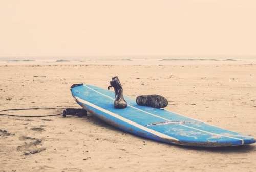 Suka Surfing Kunjungi 5 Tempat Terbaik Berselancar 07 Papan Selancar - Finansialku