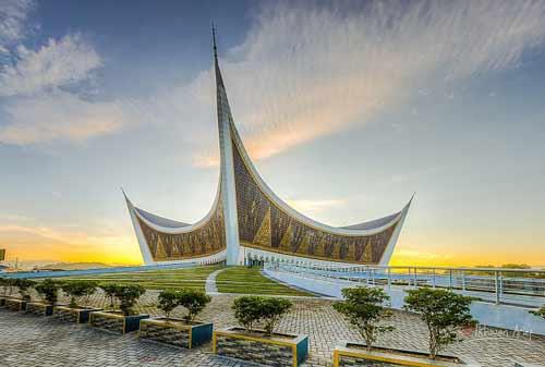 Tempat Wisata Ramadhan 04 (Masjid Raya Sumatera Barat) - Finansialku