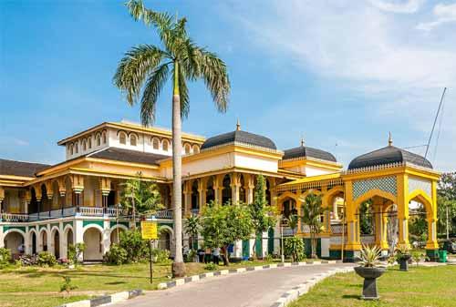 Tempat Wisata Sumatera Utara 05 (Istana Maimun) - Finansialku
