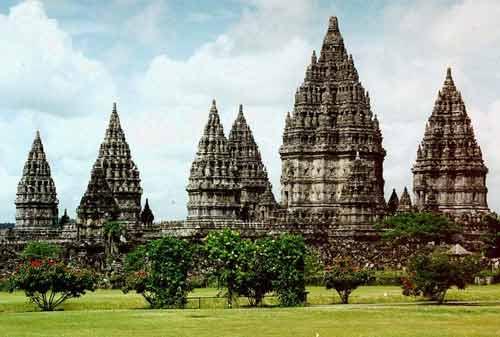 Wisata Candi Prambanan 02 - Finansialku