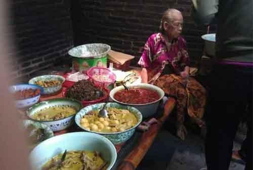 10 Kuliner dan Destinasi Mudik Lebaran di Jogja versi Kementerian Pariwisata 06 Mangut Lele Mbah Marto - Finansialku
