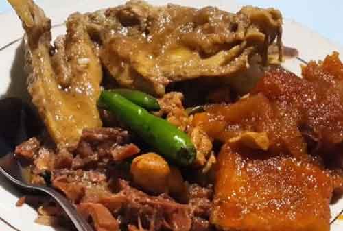 10 Kuliner dan Destinasi Mudik Lebaran di Jogja versi Kementerian Pariwisata 08 Gudeg Pawon - Finansialku