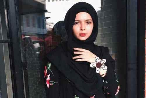 Karier dan Kisah Hidup 7 Designer Milenial Berhijab 04 Vivi Zubedi - Finansialku