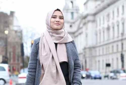 Karier dan Kisah Hidup 7 Designer Milenial Berhijab 05 Restu Anggraini - Finansialku