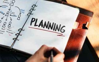 Para Agen Asuransi Bagaimana Cara Menjadi Agen Sukses dan Jago Mengatur Keuangan Bulanan 01 - Finansialku