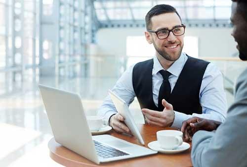 Para Agen Asuransi Bagaimana Cara Menjadi Agen Sukses dan Jago Mengatur Keuangan Bulanan 02 - Finansialku