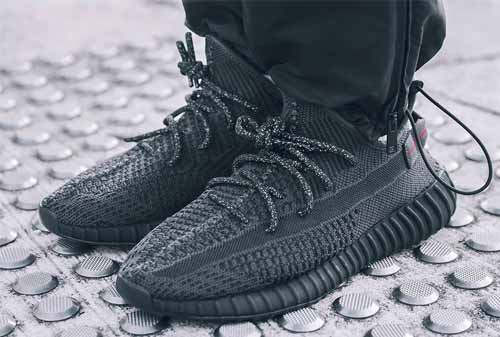 Sepatu Adidas 02 - Finansialku