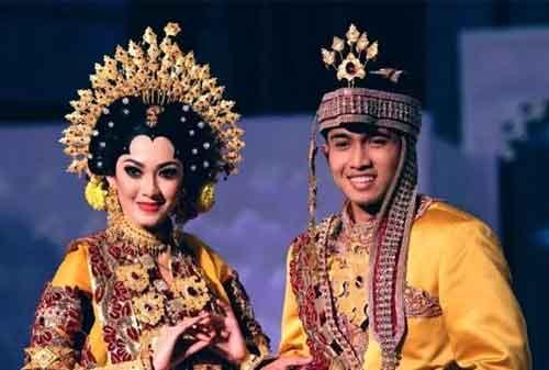 Wow! Tradisi Pernikahan Adat Ini Termahal di Indonesia 02 - Finansialku