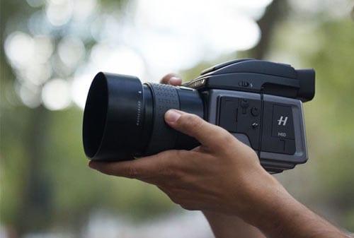 Kamera Termahal Di Dunia 07 (Hasselblad H6D-100C Medium Format DSLR) - Finansialku
