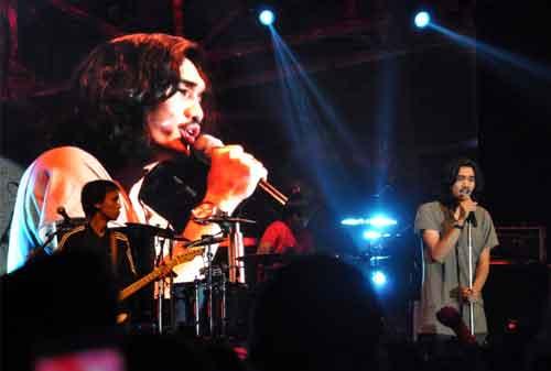 Nostalgia Bersama Band Sheila On 7! Bisa Bikin Kamu Baper dan Kangen Masa Lalu 04 - Finansialku